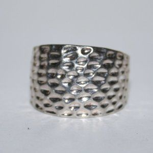 Beautiful silver hammered ring size 8